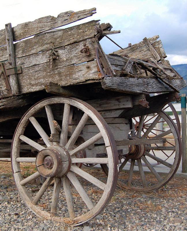 carriage with wooden wheels
